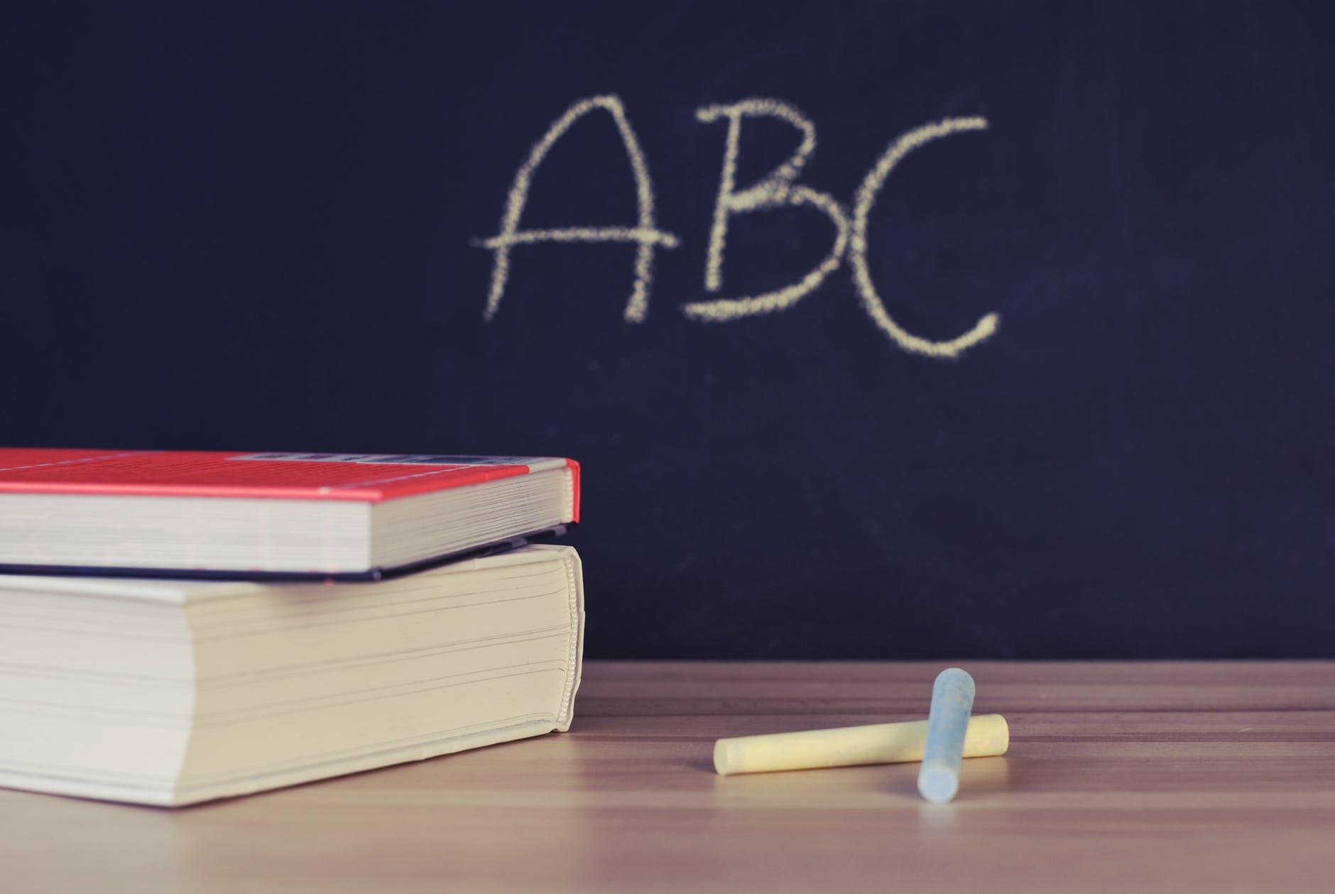 Competências na escola: o tempo em disputa - Blog Primeira Escolha